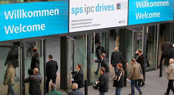 entrada del público a la feria SPS IPC Drives del 2017